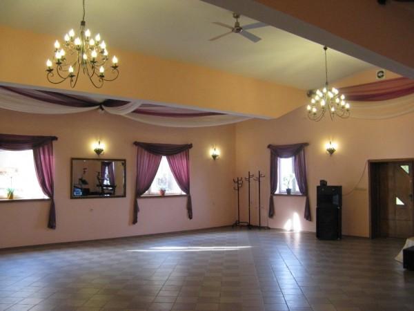 Sala Weselna Kameralna Łuków ~ sala konsumpcyjna stół szwedzki sala taneczna